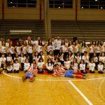 Atlético Bembibre, Racing Cuéllar y ballet Joven de Cuéllar posan al final del partido