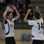 Valco y Kuku celebran un gol de Racing Cuéllar