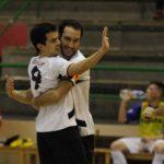 Campi, Roberto y David celebran un gol