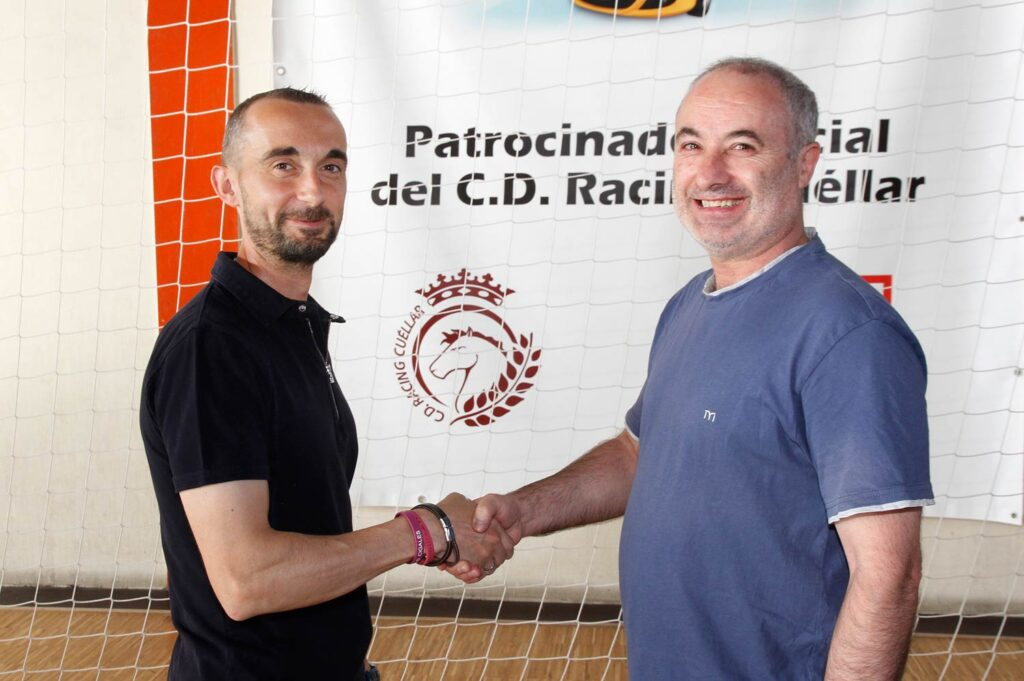 racing-cuellar-entrenador-luis-martin-presidente-jesus-ferreiro-RCW-GGG_7069